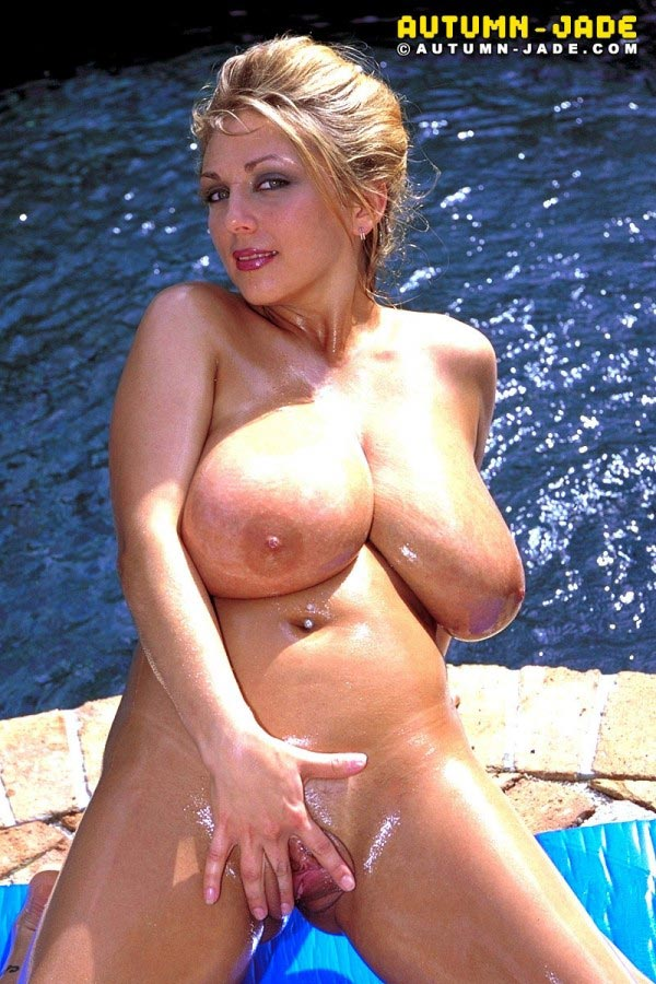 autumn-jade-wet-at-the-pool17