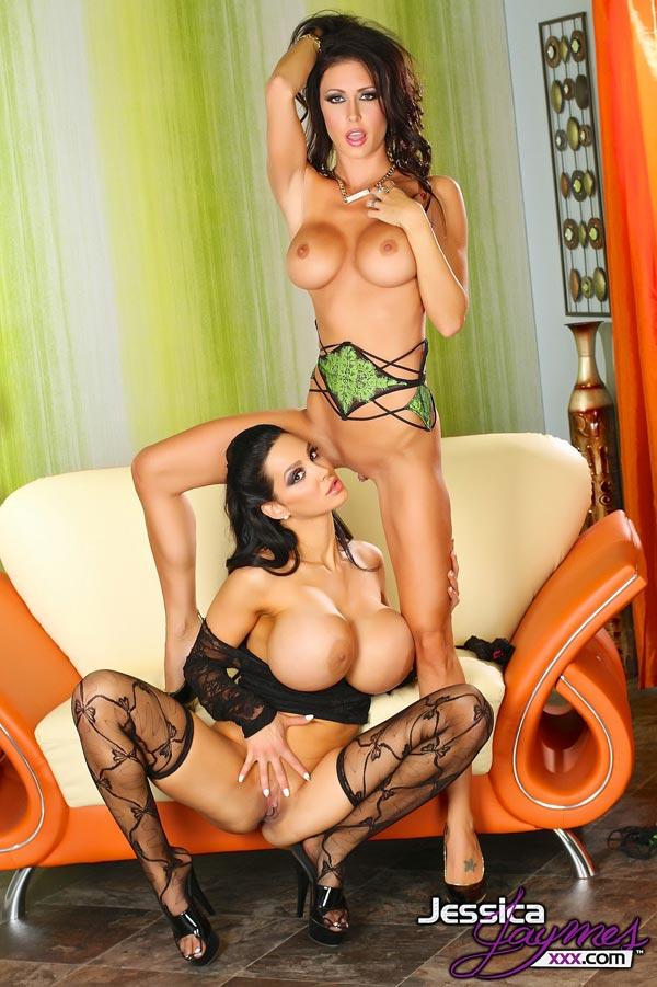 jessica-jaymes-and-amy-anderssen-team-up-to-fuck-again-jj7