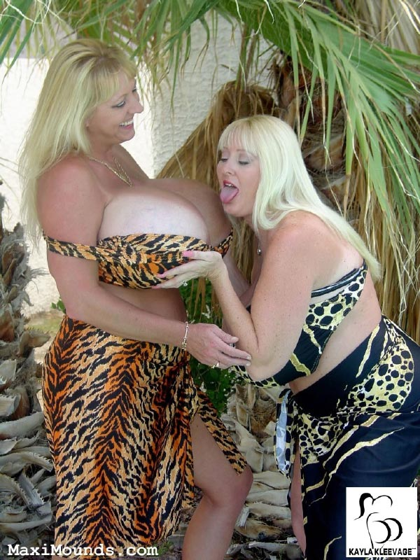 kayla-kleevage-and-maxie-mounds10