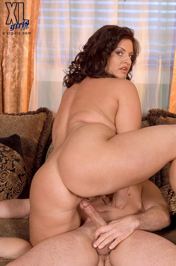 maria-moore-eating-and-fucking13