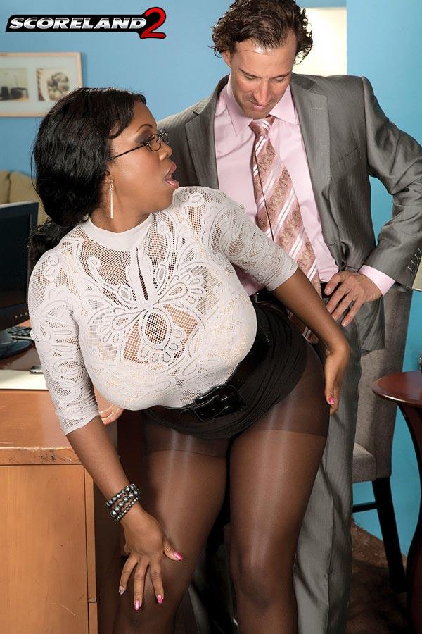 mega-busty-ebony-babe-maserati-gets-the-job05