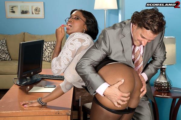 mega-busty-ebony-babe-maserati-gets-the-job06
