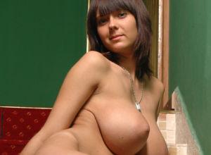 Pregnant nudist woman erotica