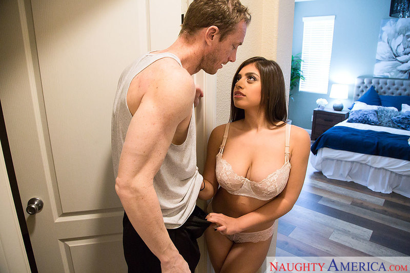 Skinny Guy Fucks Chubby Girl
