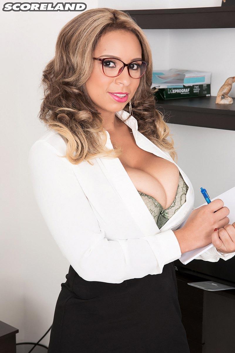 Big Ass Latina Shemale Fuck