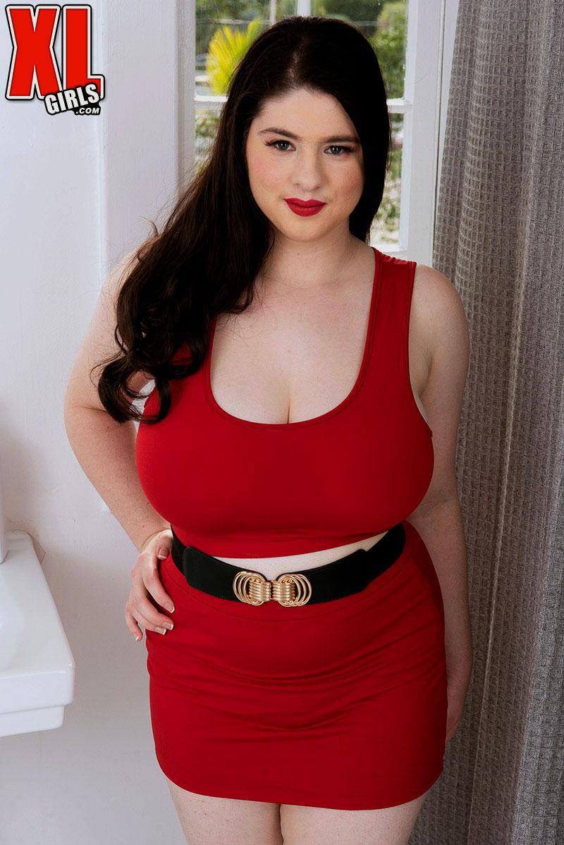 Curvy brunette Diana Eisley red dress - The Boobs Blog
